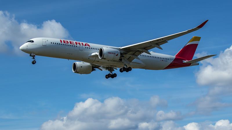 Iberia - Airbus A350-941 (EC-MYX) - Heathrow Airport (June 2020)