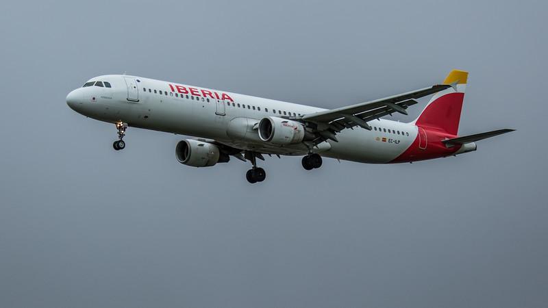 Iberia - Airbus A321-213 (EC-ILP) - Heathrow Airport (February 2020)