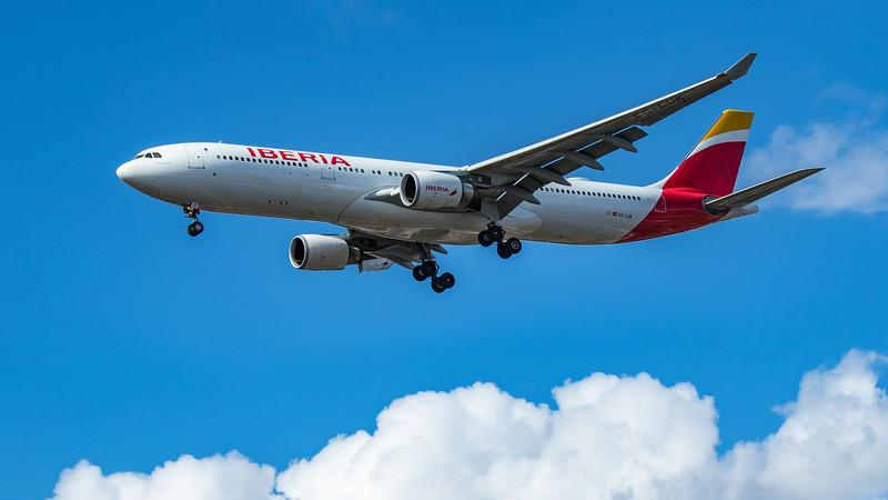 Iberia - Airbus A330-302 (EC-LUK) - Heathrow Airport (June 2020)