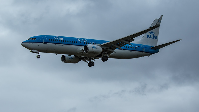 KLM - Boeing 737-8K2 (PH-BXH) - Heathrow Airport (June 2020)