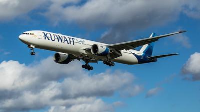 Kuwait Airways - Boeing 777-369(ER) (9K-AOL) - Heathrow Airport (March 2020)