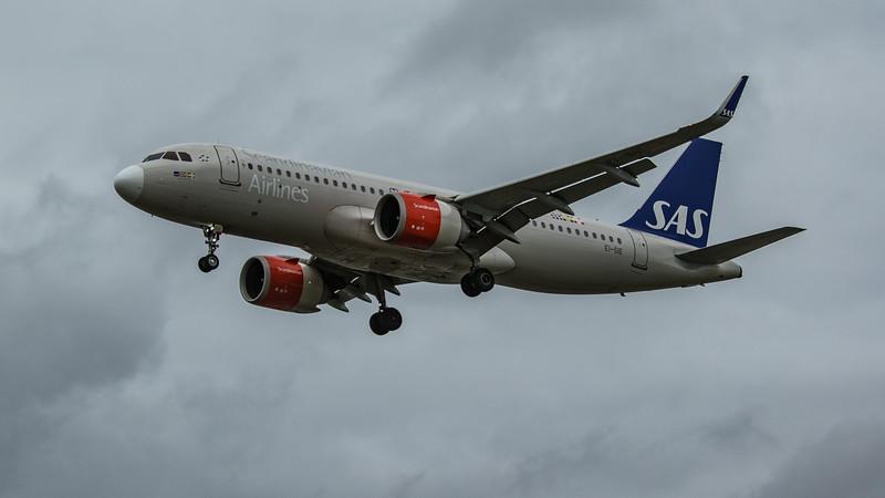 SAS - Airbus A320-251N (EI-SIE) - Heathrow Airport (March 2020)