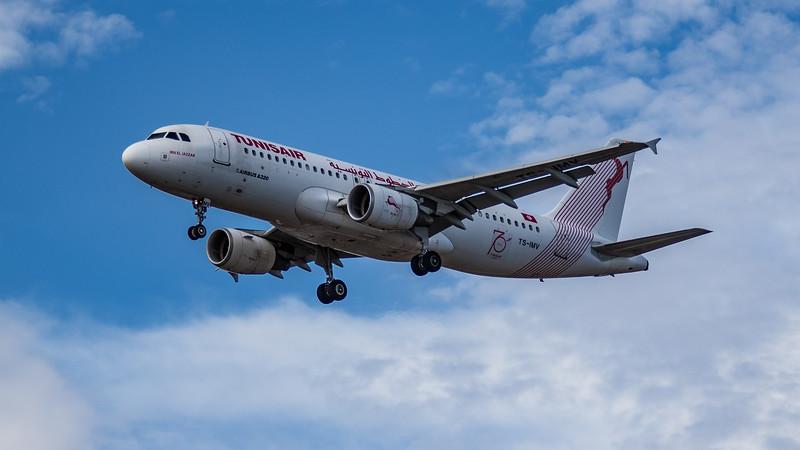 Tunisair - Airbus A320-214 (TS-IMV) - Heathrow Airport (July 2020)