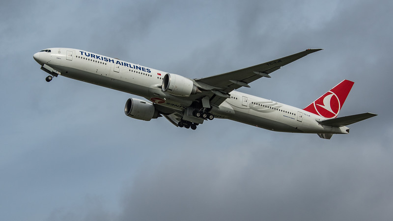 Turkish Airlines - Boeing 777-3F2(ER) (TC-LJE) - Heathrow Airport (March 2020)
