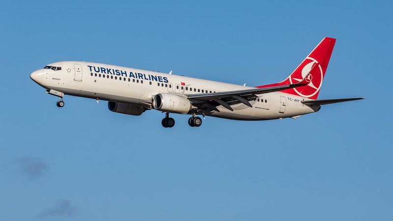Turkish Airlines - Boeing 737-8F2 (TC-JHY) - Edinburgh Airport (February 2020)