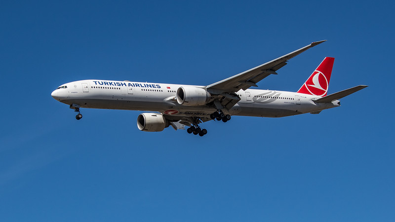 Turkish Airlines - Boeing 777-3F2(ER) (TC-LJB) - Heathrow Airport (July 2020)