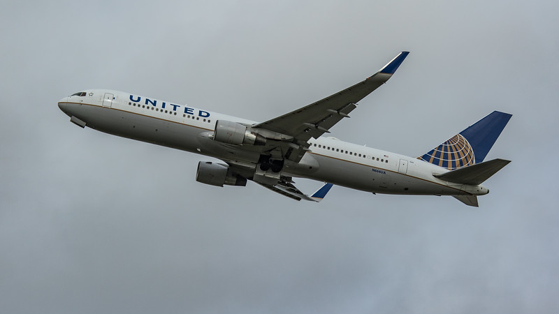 United Airlines - Boeing 767-322(ER) (N666UA) - Heathrow Airport (March 2020)