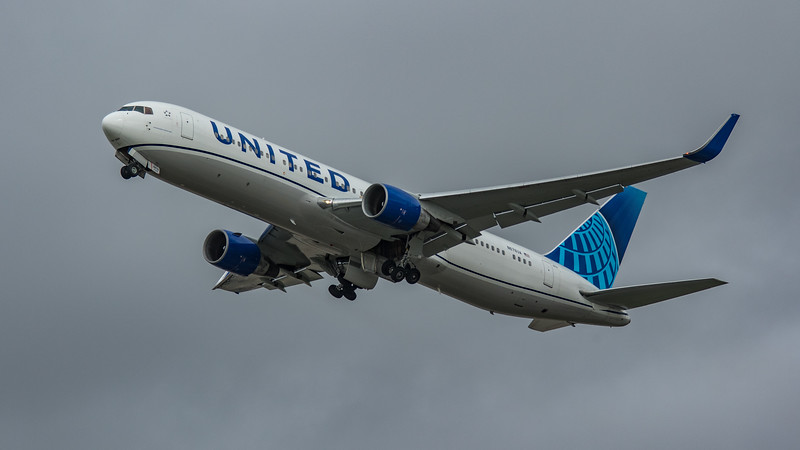United Airlines - Boeing 767-322(ER) (N676UA) - Heathrow Airport (March 2020)