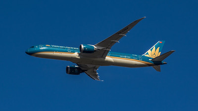 Vietnam Airlines - Boeing 787-9 Dreamliner (VN-A864) - Heathrow Airport (March 2020)