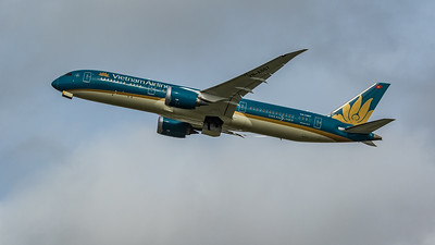 Vietnam Airlines - Boeing 787-9 Dreamliner (VN-A867) - Heathrow Airport (March 2020)