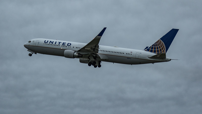 United Airlines - Boeing 767-3CB(ER) (N686UA) - Heathrow Airport (March 2020)