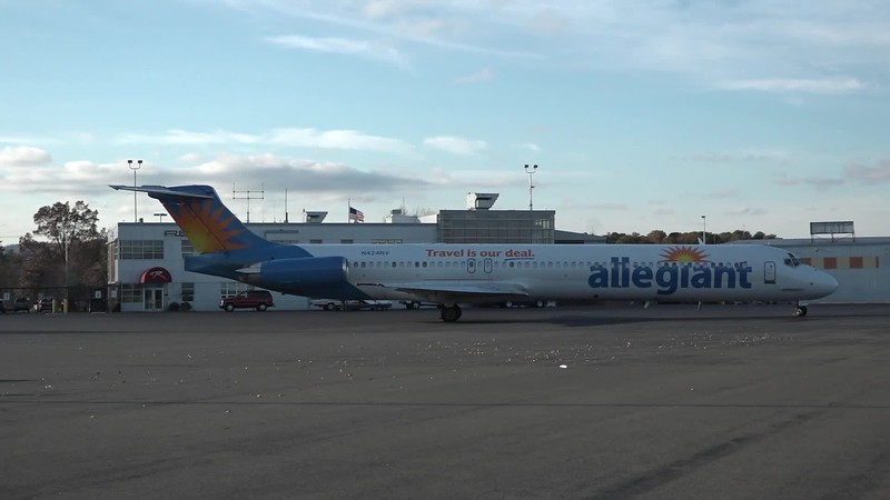 N424NV, 1986 Allegiant MD-83 with UMass football team aboard taxiing and departing to Fort Lauderdale, FL