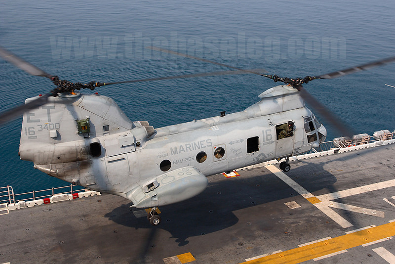 HMM-262 (Rein) CH-46E Sea Knight 153400/ET-16 takes off.