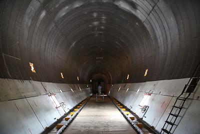 Inside the cavernous fuselage of Boeing 377SGT Super Guppy Turbine, F-BTGV - 28/05/17.