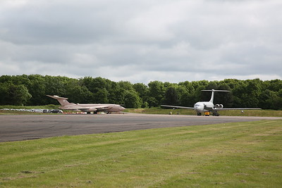 ex-RAF Handley Page Victor K.2, XM715 & Vickers VC10 K.4, ZD241, on the pad ready for fast taxi runs later - 28/05/17.