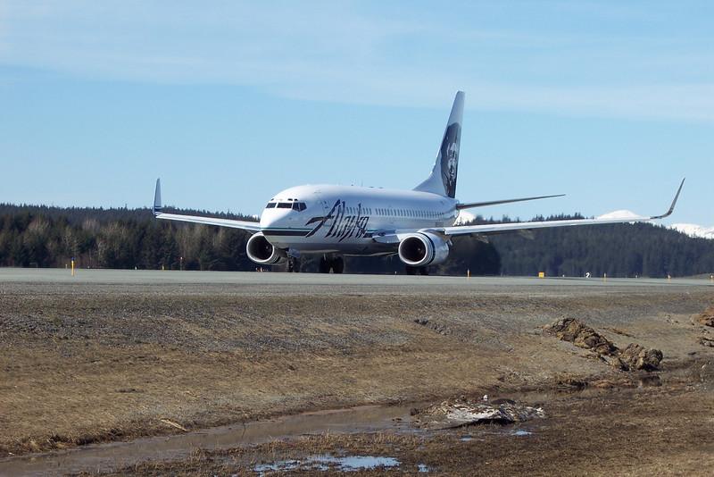 Alaska Airlines 737-700 at PAJN