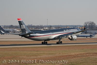US Airways Airbus A330-300 (N671UW)