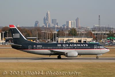 US Airways 737-300 (N525AU) and the Charlotte Skyline