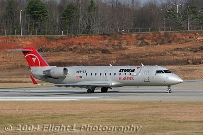Northwest AirLink CRJ 600 (N8942A)