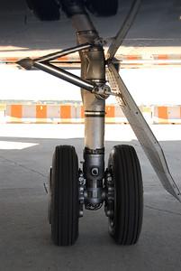 Falcon 2000 main landing gear.