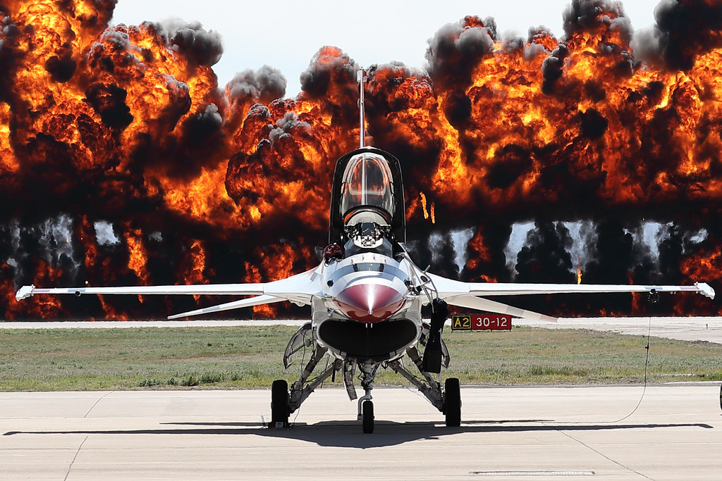 IMAGE: https://photos.smugmug.com/Aviation/Davis-Monthan-Air-Shows/2019-Davis-Monthan-Air-Show/i-d4TCZKK/0/343df698/XL/O62A3117_mod-XL.jpg
