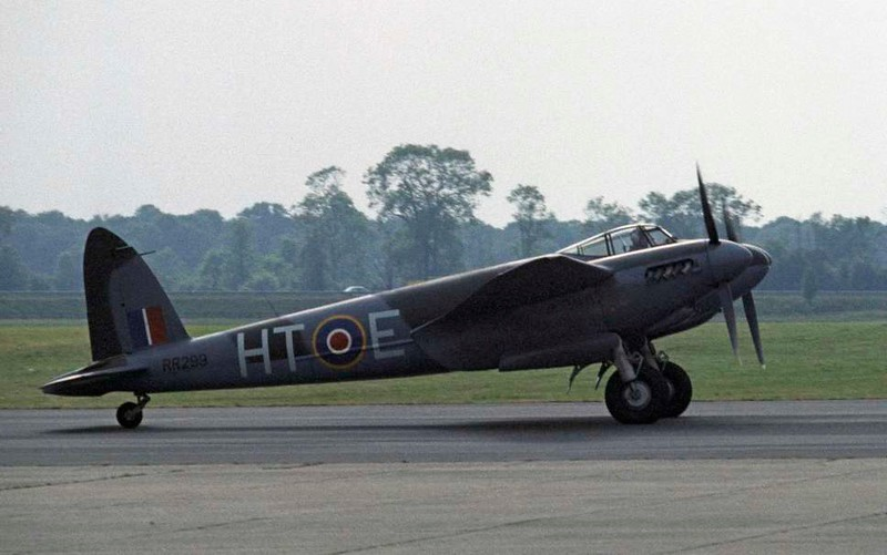 de Havilland DH.98 Mosquito T.3 RR299 / HT-E, North Weald, 1 July 1984 5.