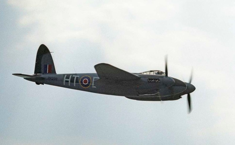 de Havilland DH.98 Mosquito T.3 RR299 / HT-E, North Weald, 1 July 1984 6.