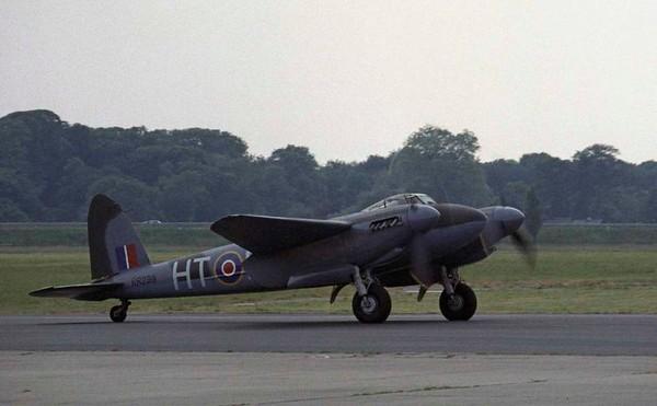 de Havilland DH.98 Mosquito T.3 RR299 / HT-E, North Weald, 1 July 1984 2.