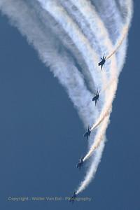USNavy_Blue-Angels_F-18A_5x_161967_EHLW_20060617_CRW_4919_RT8_WVB