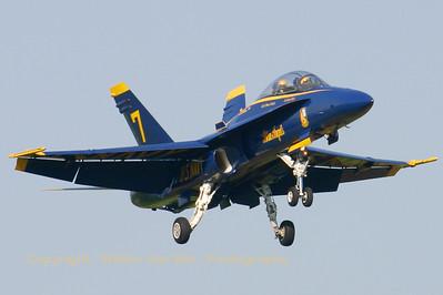 USNavy_Blue-Angels_F-18B_161943_EHLW_20060612_CRW_4723_RT8_WVB_1024px_alternative