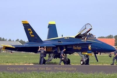 USNavy_Blue-Angels_F-18A_161959_EHLW_20060617_CRW_4805_RT8_WVB_1200px