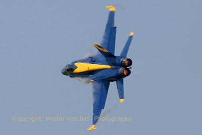 USNavy_Blue-Angels_F-18A_162897_5_EHLW_20060617_CRW_4886_RT8_WVB_1024px