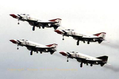 USAF_Thunderbirds_4x-F-4E_EBST_Scan_WVB_1024px