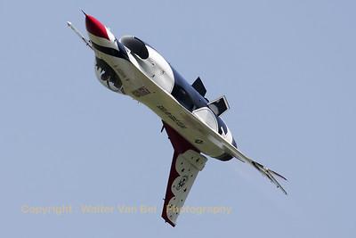 USAF_F-16C_T-Bird5_cnCC-130_EBFN_20110705_IMG_31769_WVB_1200px