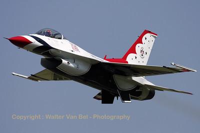 USAF_F-16C_T-Bird2_cnCC-138_EBFN_20110705_IMG_31740_WVB_1200px