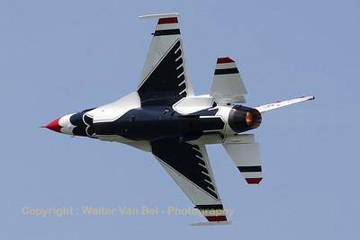 USAF_F-16C_T-Bird4_cnCC-122_EBFN_20110705_IMG_31758_WVB_1200px_ed2