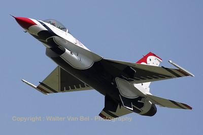 USAF_F-16C_T-Bird1_cnCC-140_EBFN_20110705_IMG_31737_WVB_1200px