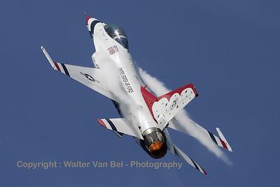 USAF_F-16C_T-Bird5_cnCC-130_EBFN_20110705_IMG_31773_WVB_1200px_ed2