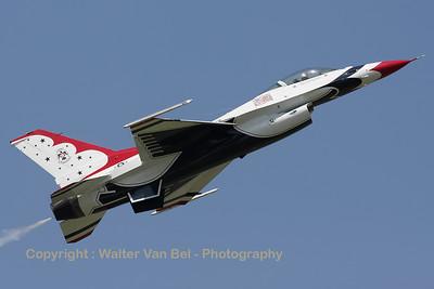 USAF_F-16C_T-Bird5_cnCC-130_EBFN_20110705_IMG_31885_WVB_1200px