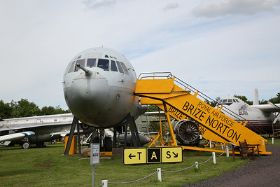 ex-RAF Vickers VC10 C.1K, XV108, front fuselage section - 03/06/17.