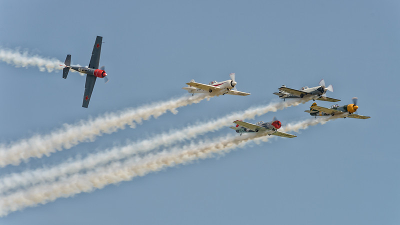 Aerostars fllying the Yak 50