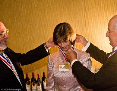 Bonnie Dunbar receives her Legends medallion