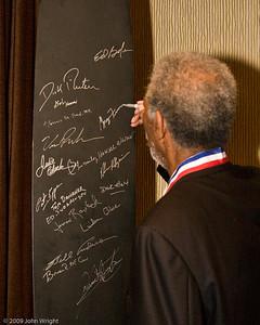 Morgan Freeman signs the propeller