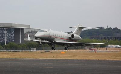Bombardier BD-100-1A10 Challenger 350, 9H-VCN, landing - 22/07/18