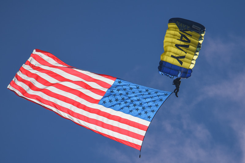 "U.S. Navy Parachute Team ""The Leap Frogs"""