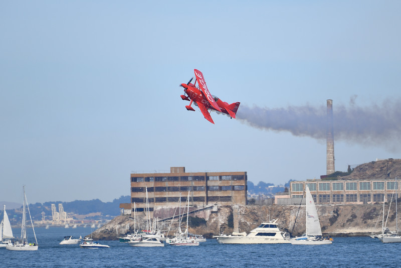 Sean D. Tucker - Team Oracle - SF Fleet Week 2016