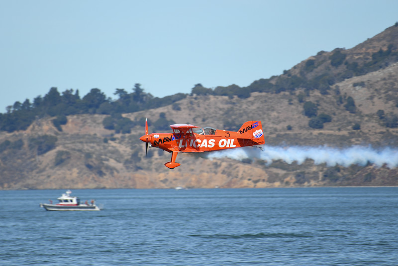 Michael Wiskus - Lucas Oil Aerobatics - SF Fleet Week 2016