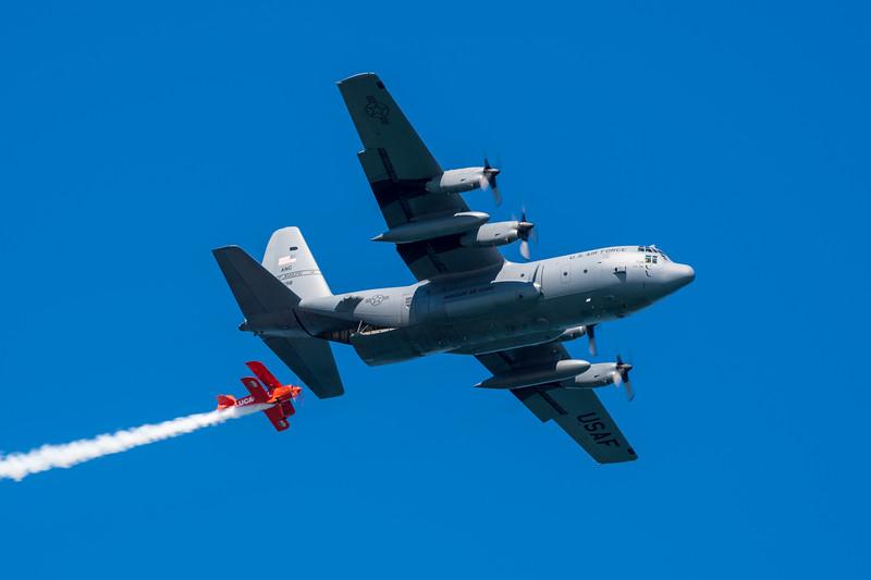 Team Lucas Oil and C-130 - SF Fleet Week 2017