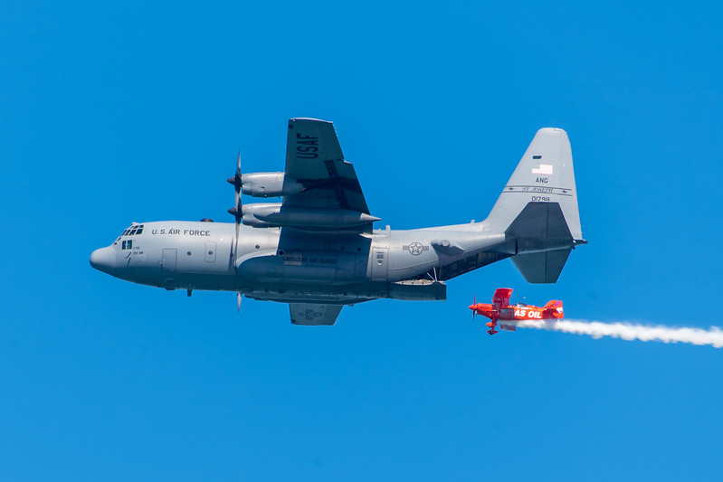Team Lucas Oil and C-130 - SF Fleet Week 2017