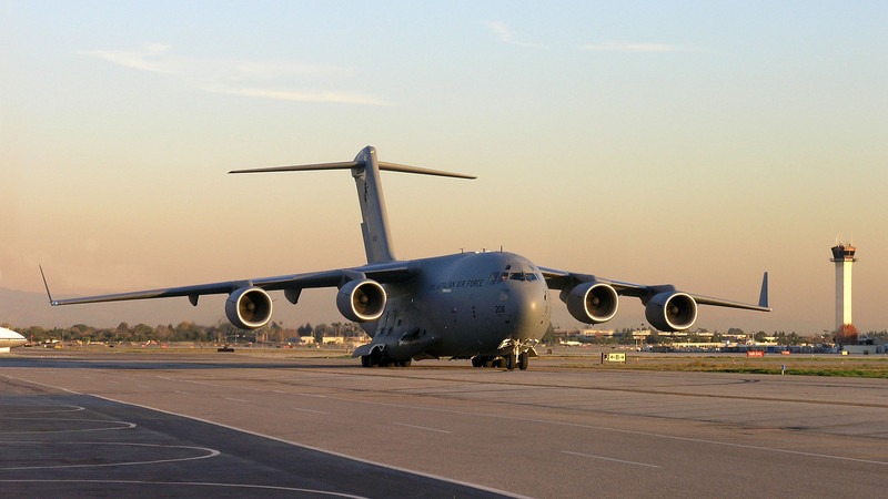 C-17 Coming - 12 Dec 2005